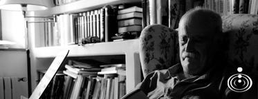 El poeta vasco Juan Kruz Igerabide en las novedades de Pantalia